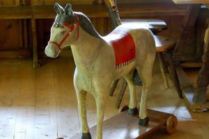 wooden-horse-358291_1920_kachel